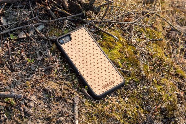 iphone-obal-kryt-stickerwood-dreveny